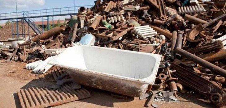чугунная ванна на металлоломе